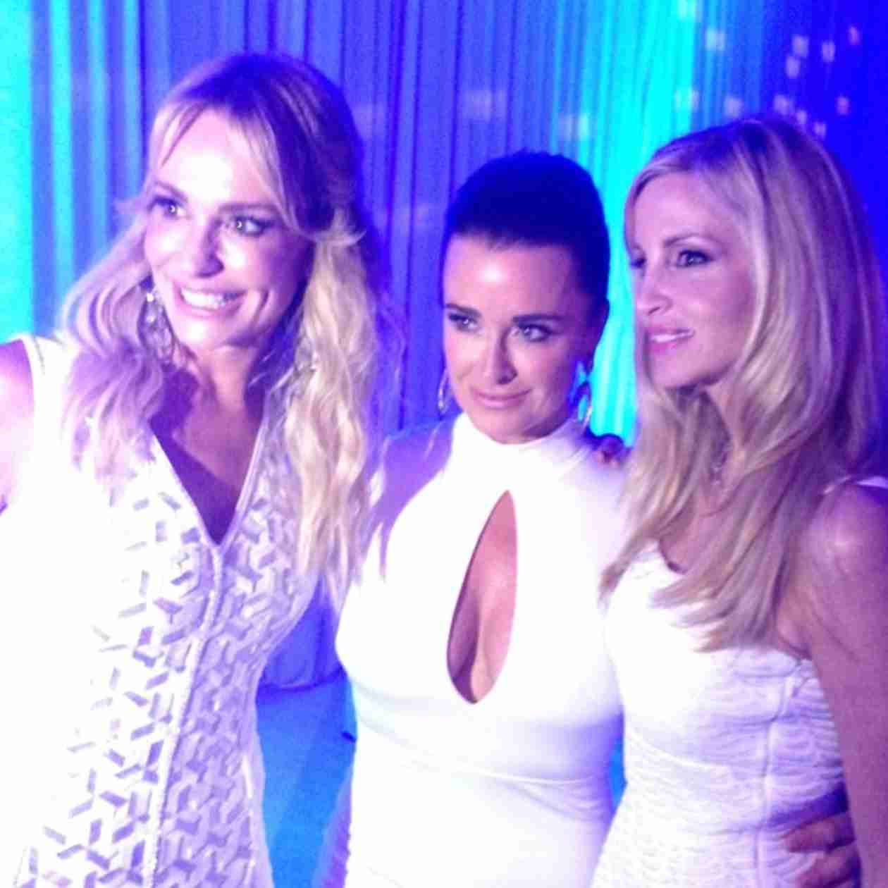 The Real Housewives of Beverly Hills Dazzle at Annual White Party (PHOTOS)