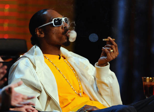 Snoop Dogg Smoked Weed in a White House Bathroom, He Says (VIDEO)