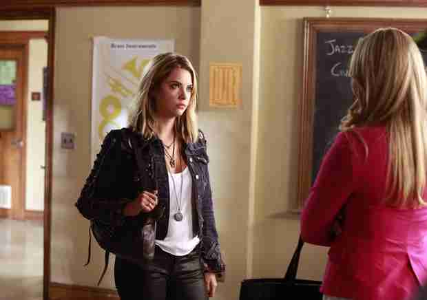"Pretty Little Liars Recap: Season 5, Episode 9 — Pulling ""A"" Mona"