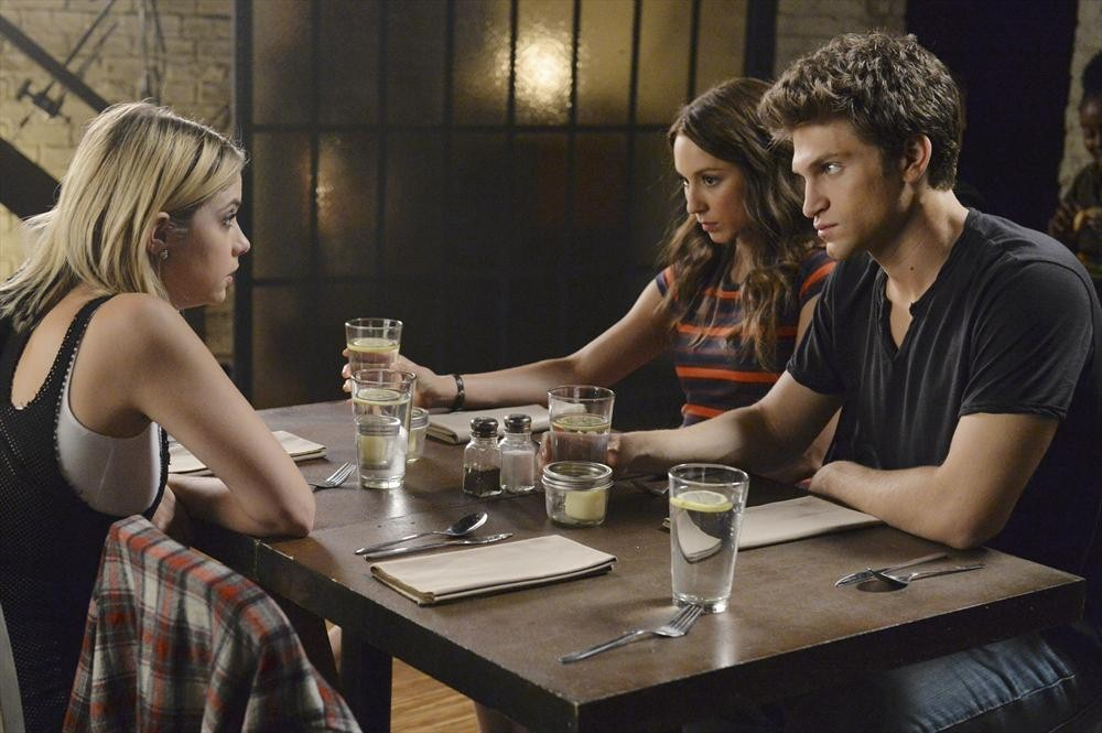 Pretty Little Liars Season 5, Episode 11: 10 Burning Questions