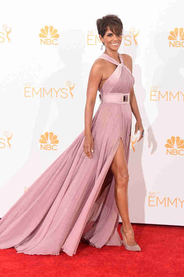 Halle Berry's 2014 Emmys Look — Did She Really Give Birth Nine Months Ago?