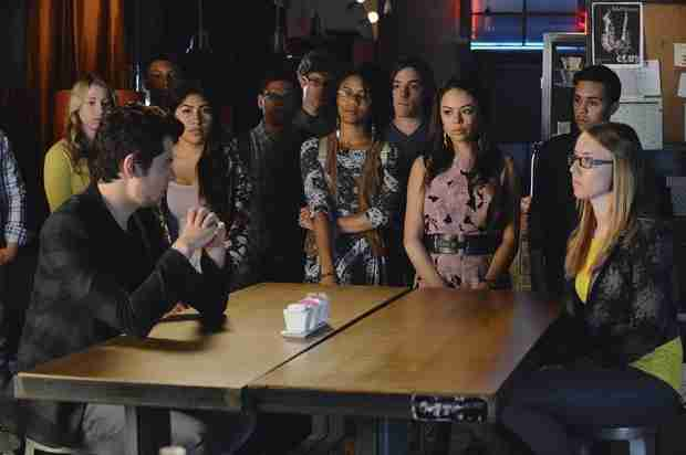 "Pretty Little Liars Scoop: Mona ""Left Clues"" For the Liars, Says Janel Parrish — Exclusive"
