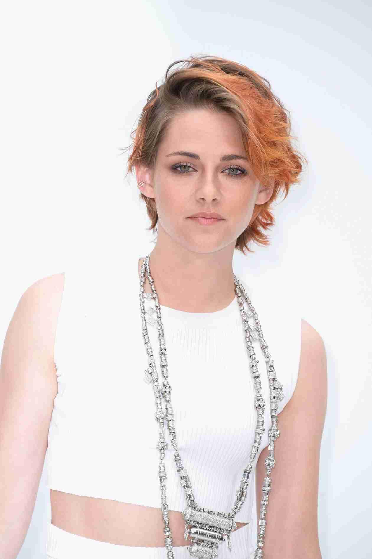 Kristen Stewart Goes Back to Brown Hair, Bids Farewell to Orange Hue (PHOTOS)