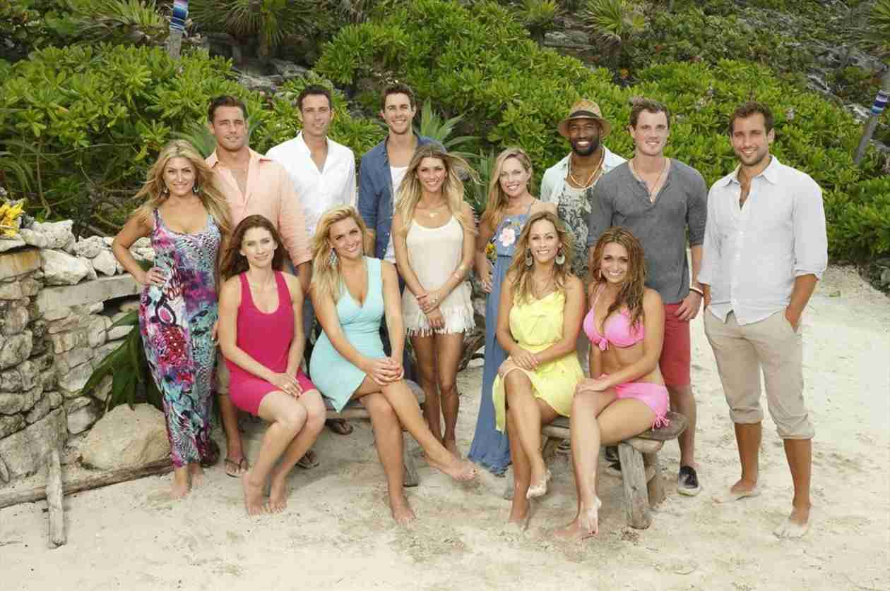 Bachelor in Paradise Cast Plays Tinder With Past Bachelors and Bachelorettes!