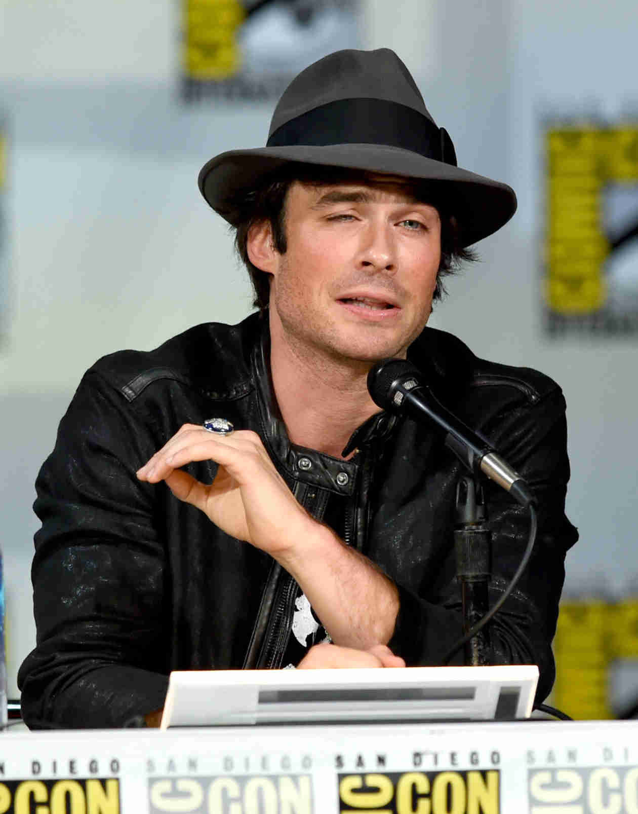 Ian Somerhalder Takes Us Behind the Scenes With The Vampire Diaries Cast (VIDEO)