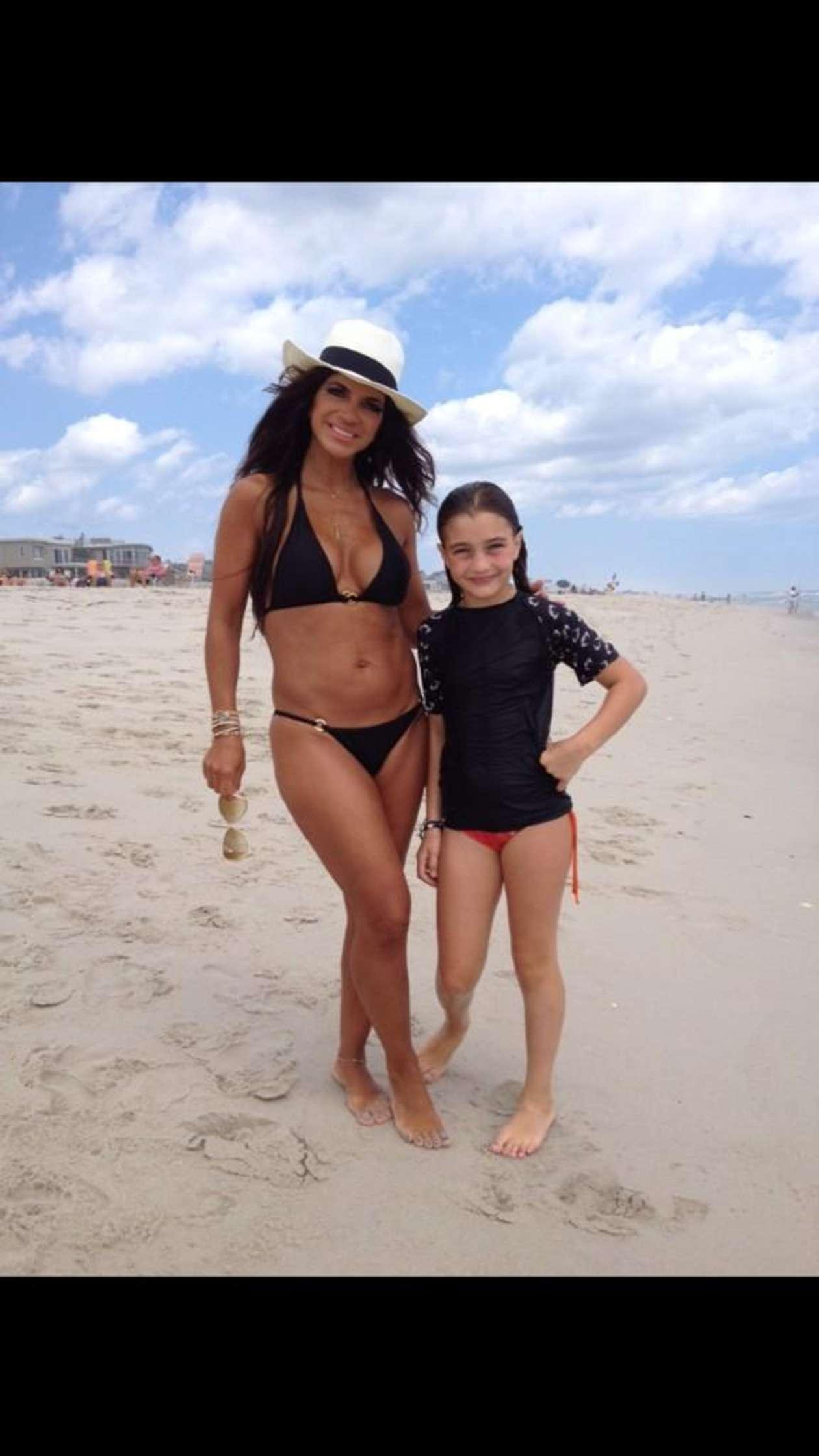 Teresa Giudice Shows Off Bikini Body on Family Beach Trip (PHOTOS)