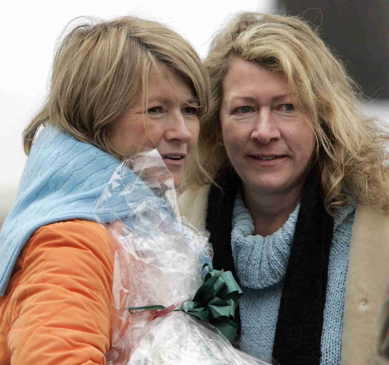 Martha Stewart's Sister Laura Plimpton Dies of Brain Aneurysm at Age 59 (VIDEO)