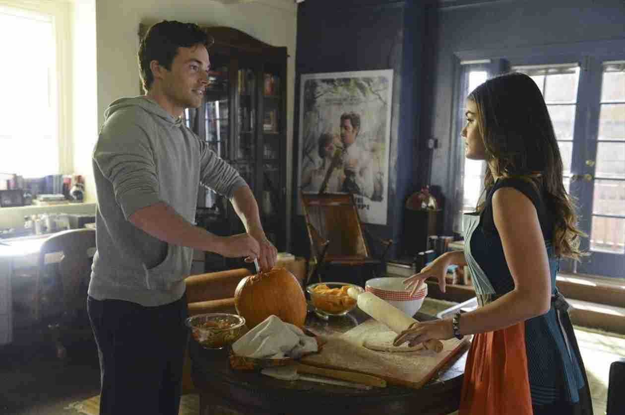 Are Aria and Ezra Back Together on Pretty Little Liars?