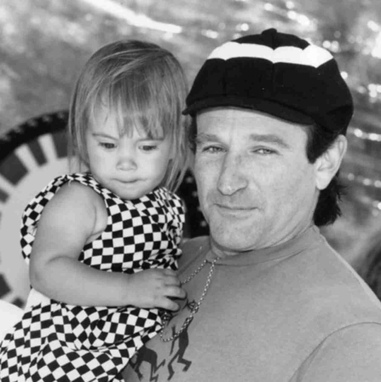 Robin Williams Death: Daughter Zelda Shares Beautiful Message For Her Father (VIDEO)