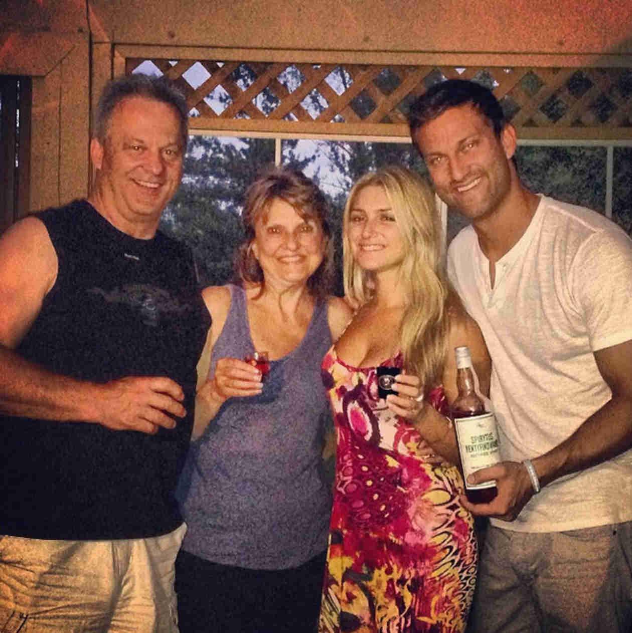 Bachelor in Paradise: Elise Mosca Met Chris Bukowski's Parents!