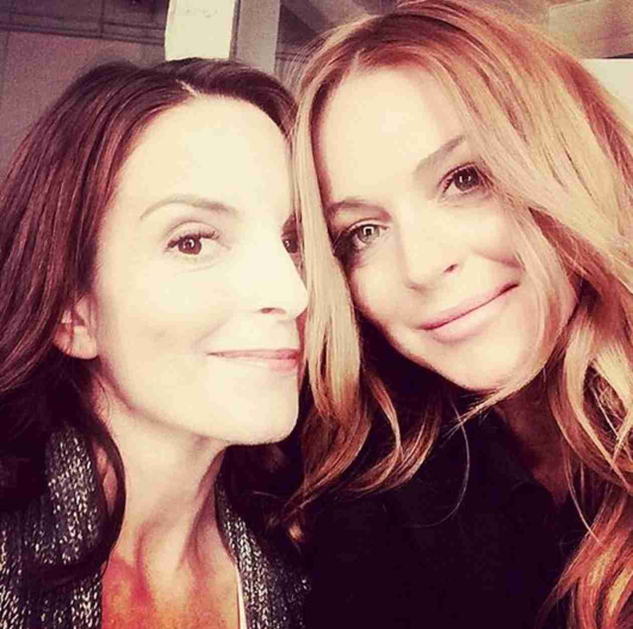 Lindsay Lohan and Tina Fey Have a Mini-Mean Girls Reunion (VIDEO)