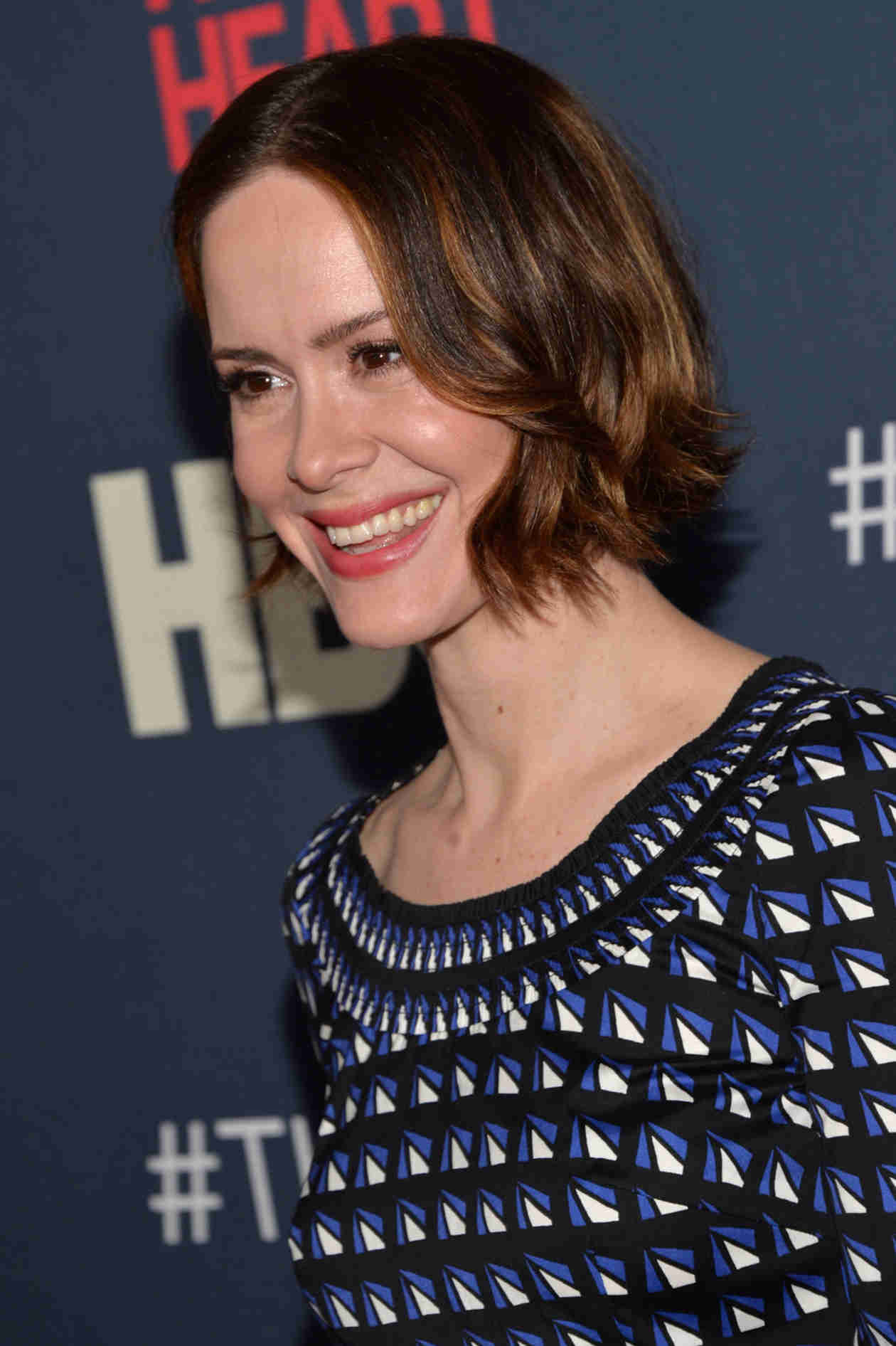 American Horror Story: Sarah Paulson on Snake Sex and Breastfeeding Zachary Quinto (VIDEO)