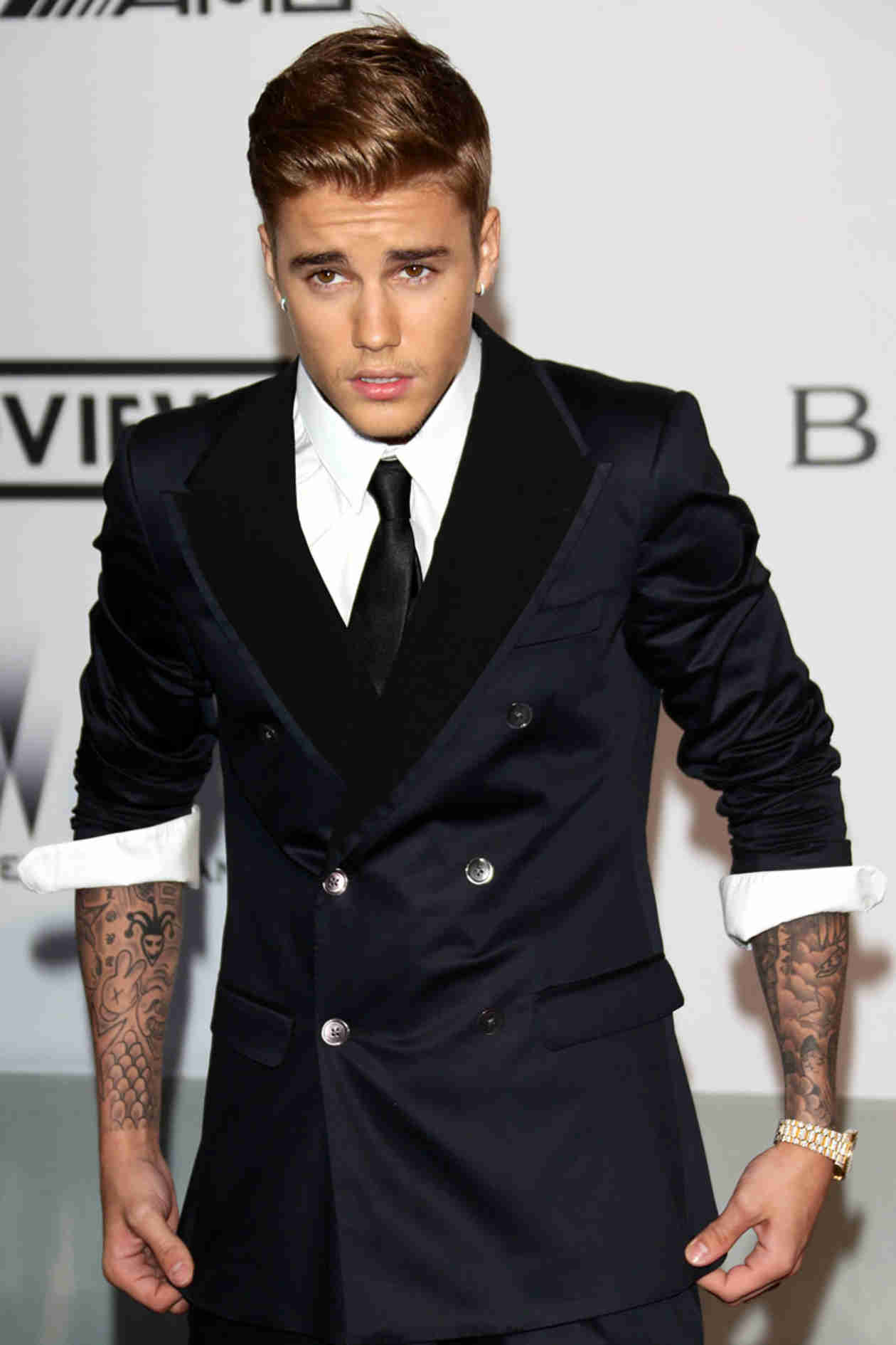 Justin Bieber Compares Himself to Princess Diana After Rear-Ended by Paparazzi (VIDEO)