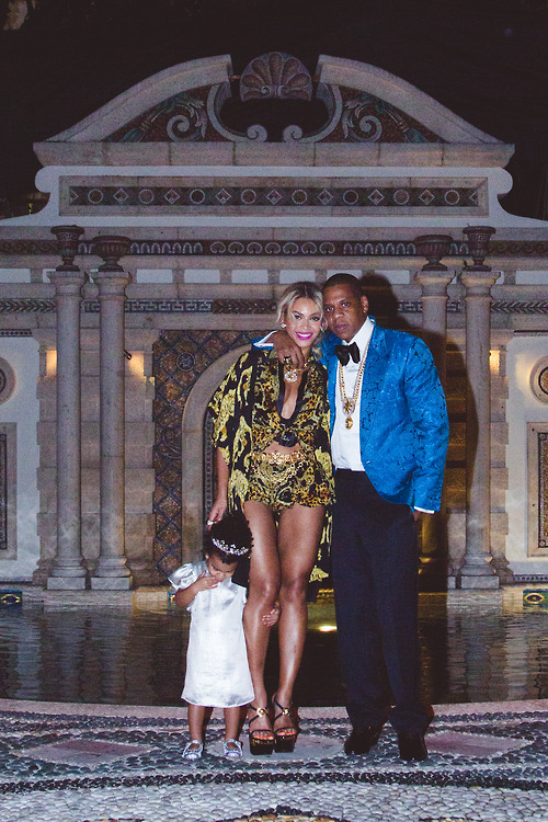 How Did Beyoncé, Jay Z, and Blue Ivy Spend Their Weekend? (PHOTO)