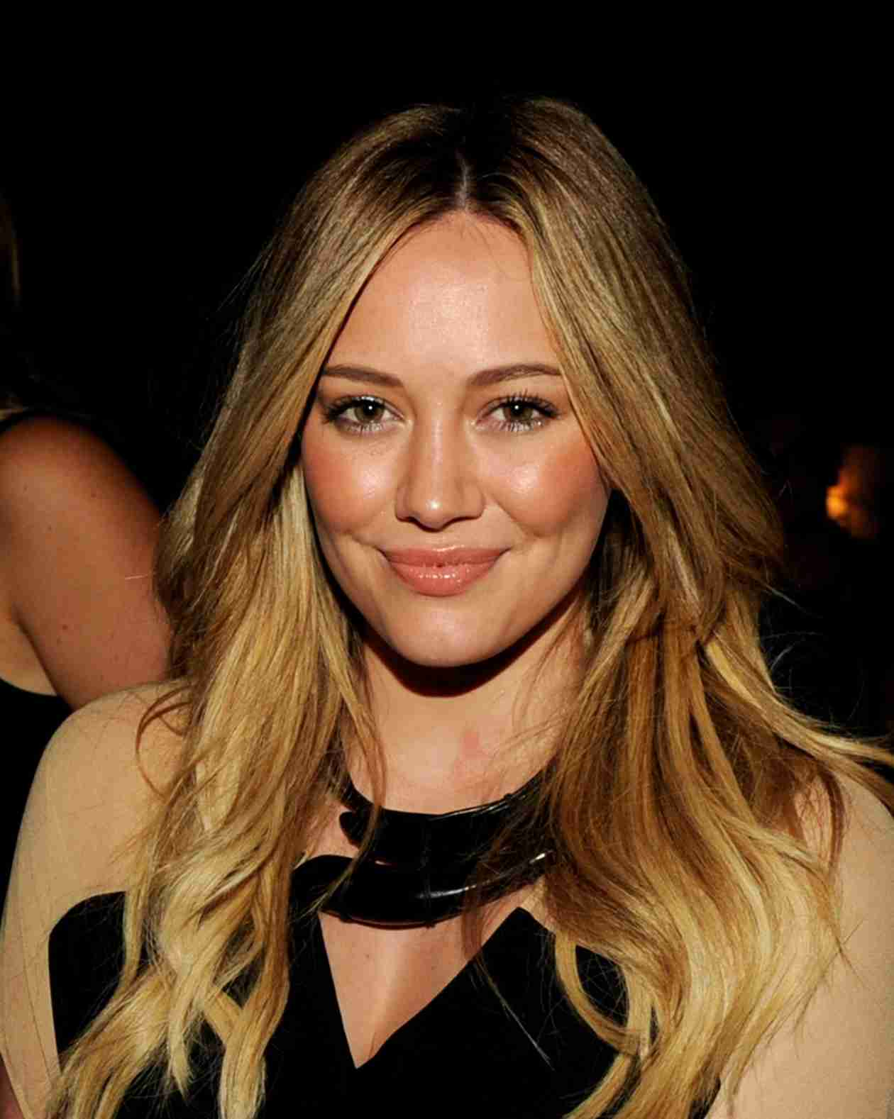 "Hilary Duff Talks Split From Mike Comrie: ""It's Been A Very Difficult Thing to Go Through"" (VIDEO)"