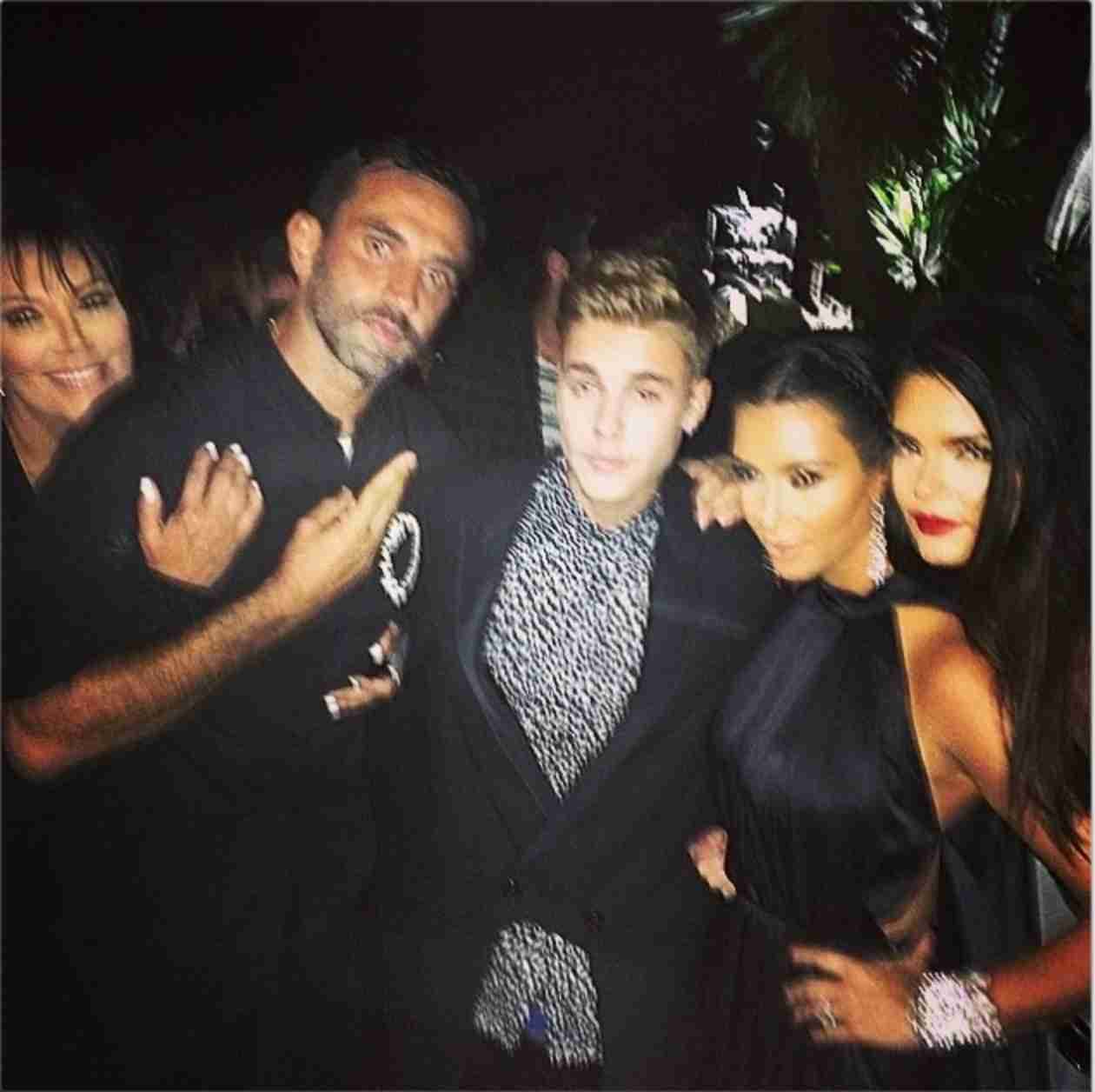 Justin Bieber Cozies Up With Kendall Jenner in Ibiza (PHOTOS)