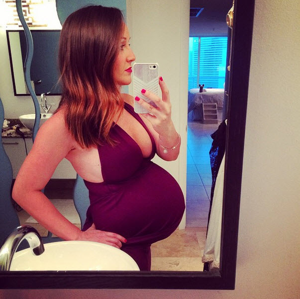 Ashley Hebert Rocks Super Sexy Plunging Neckline at Almost 9 Months Pregnant! (PHOTO)