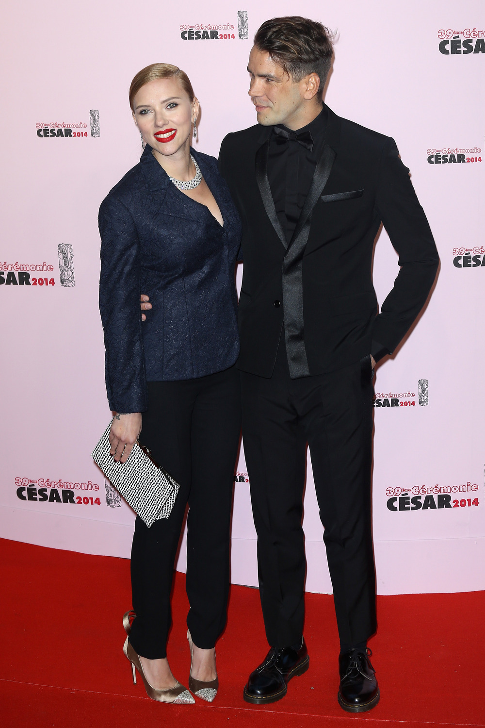 Scarlett Johansson Is a Mom — Find Out If She Had a Boy or Girl! (VIDEO)