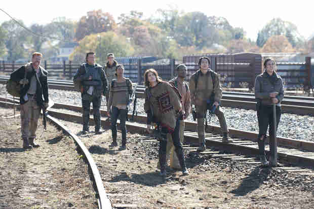 The Walking Dead's Lauren Cohan and Steven Yeun Discuss Glenn and Maggie's Future (VIDEO)