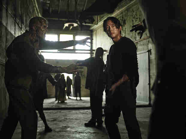 The Walking Dead Season 5 Spoiler: Maggie and Glenn Are in Danger! (PHOTOS)
