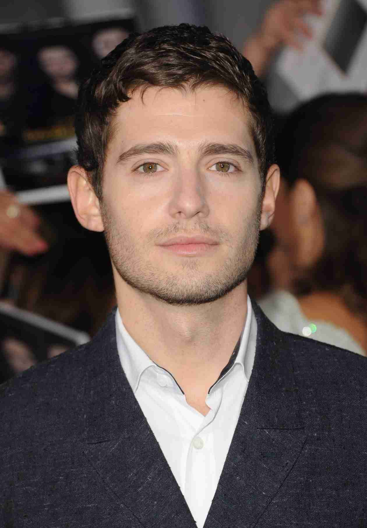 Julian Morris Scores New Gig — Which Big Star Will He Romance?