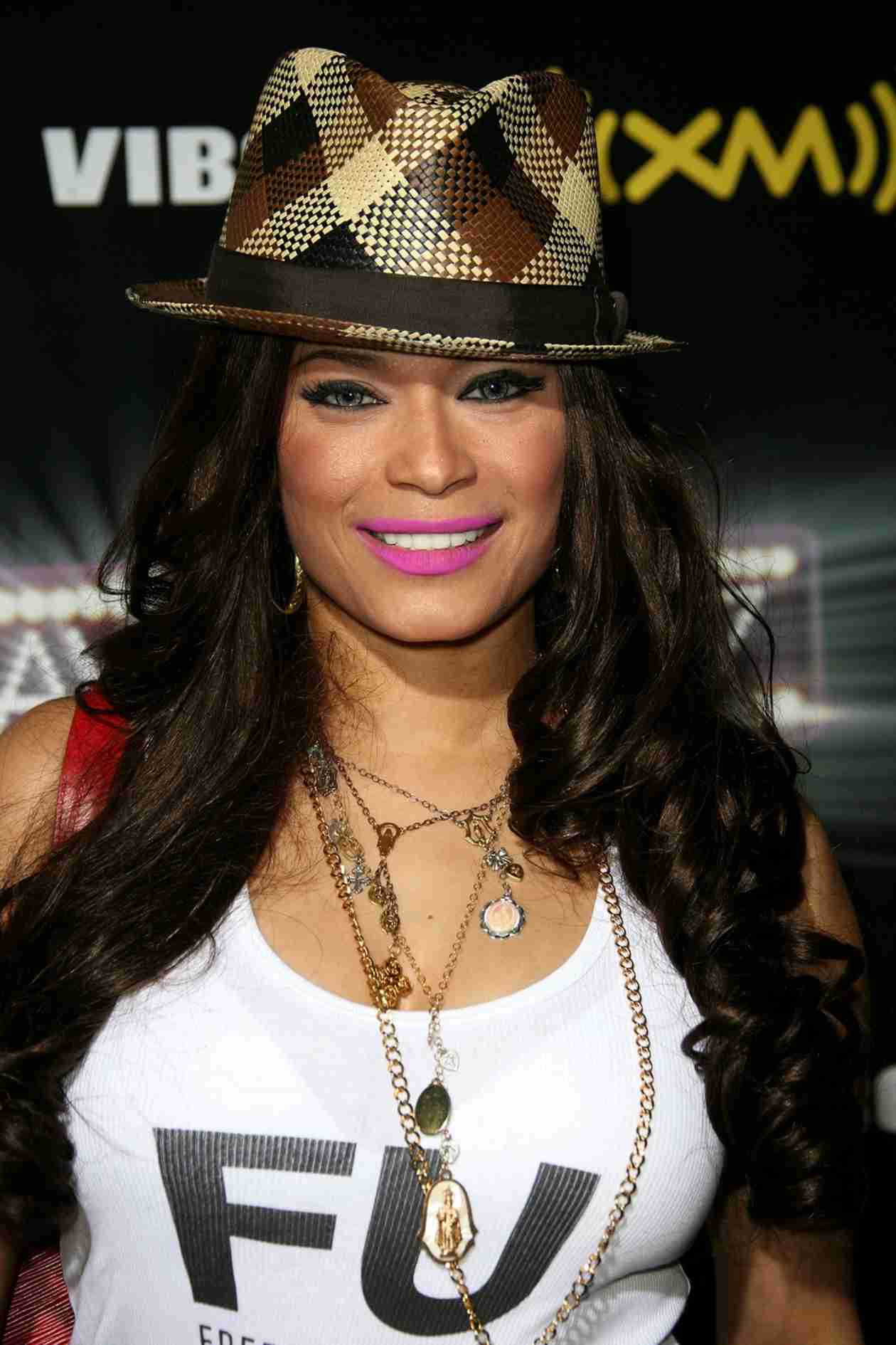 Singer Blu Cantrell Hospitalized After Mental Breakdown