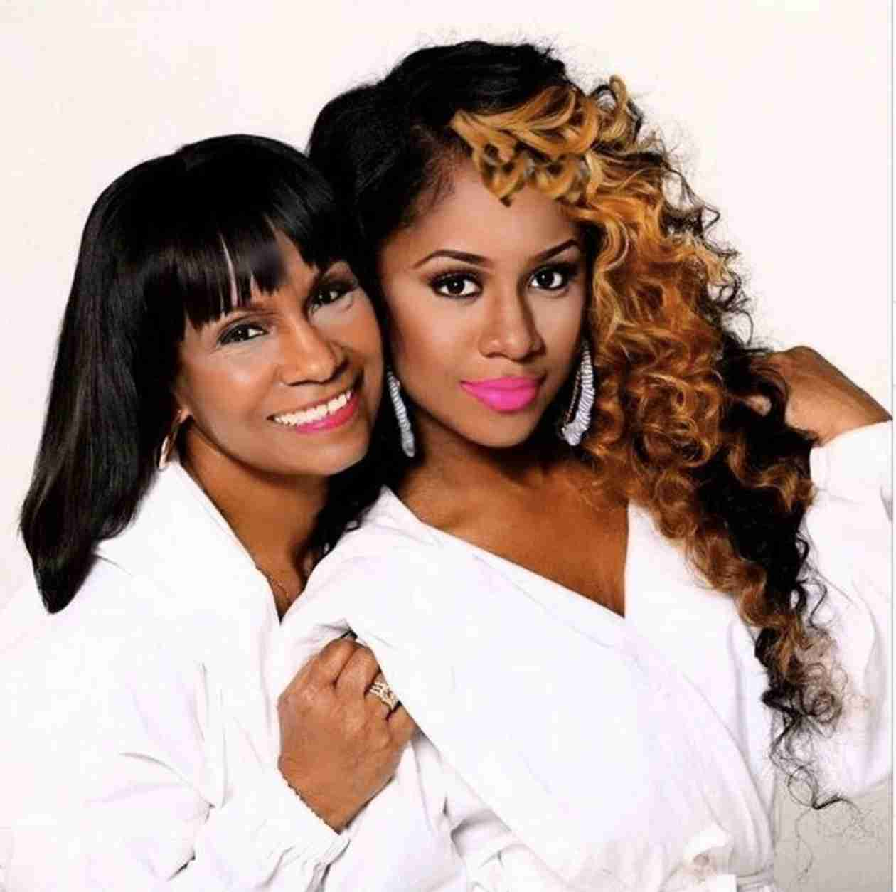 See Kandi Burruss' Mama Joyce in a Lip Gloss Photoshoot (PHOTO)