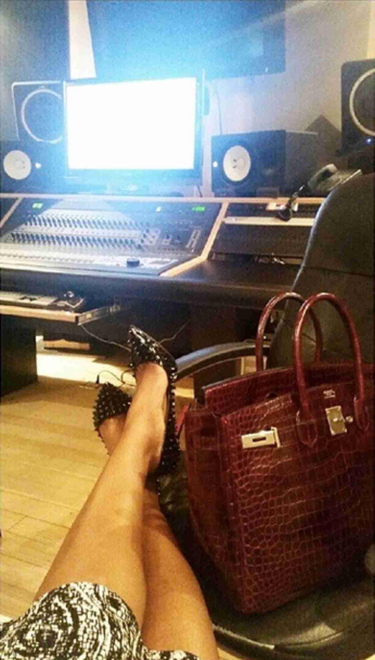 Porsha Stewart Is Back in the Recording Studio (PHOTO)