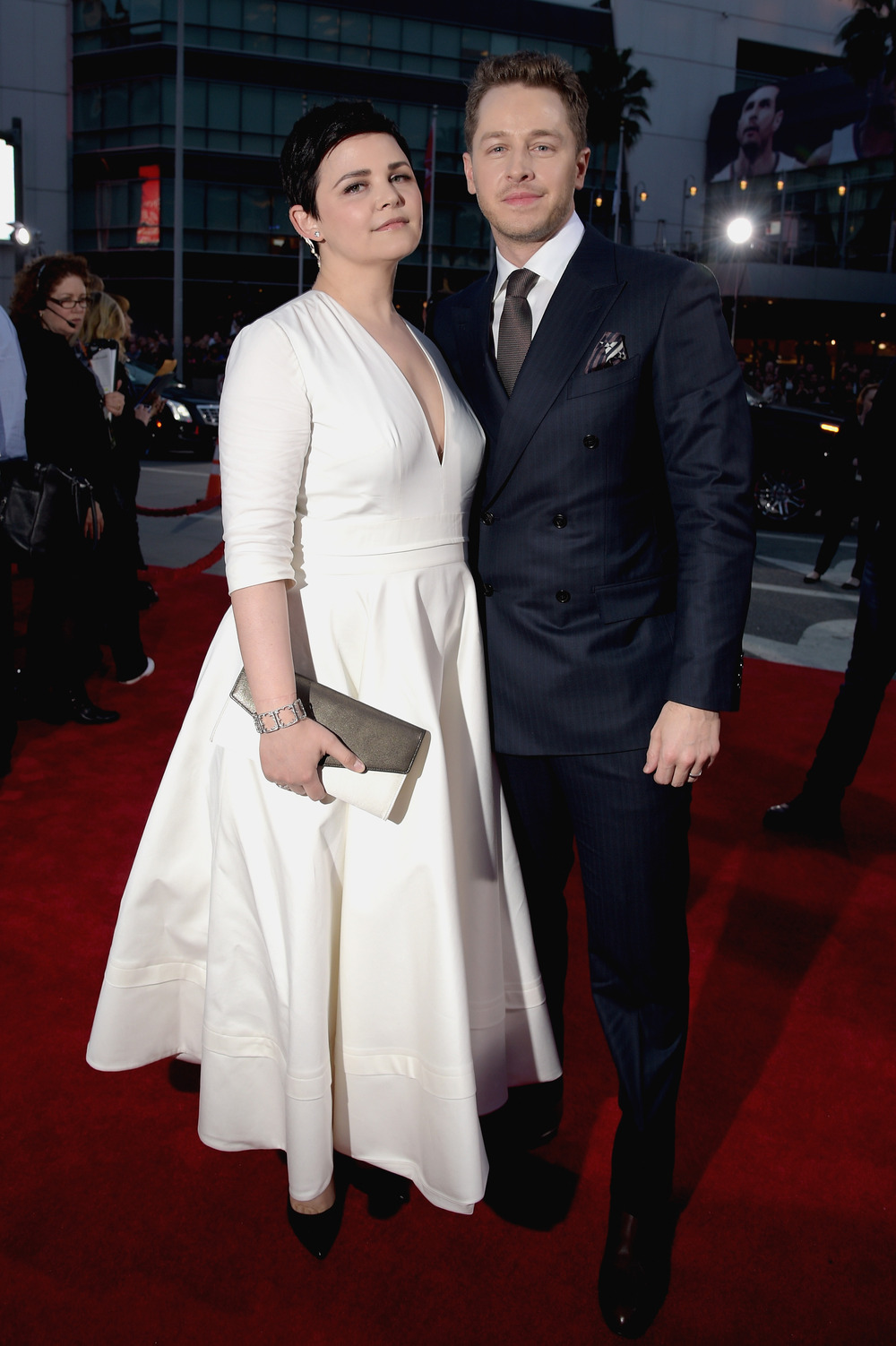Ginnifer goodwin reveals post baby body at 2015 people s choice