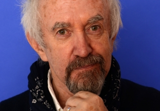 Game of Thrones' Jonathan Pryce Mocks Stupid Celebrity Tweets (VIDEO)