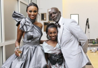 Peter Thomas Neglects to Wish Cynthia Bailey Happy Mother's Day (VIDEO)