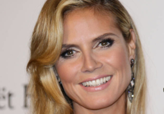 Heidi Klum Shows Bare Butt in \