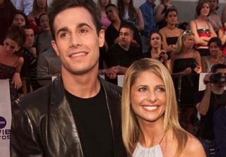Freddie Prinze Jr. Gushes About His First Date With Sarah Michelle Gellar