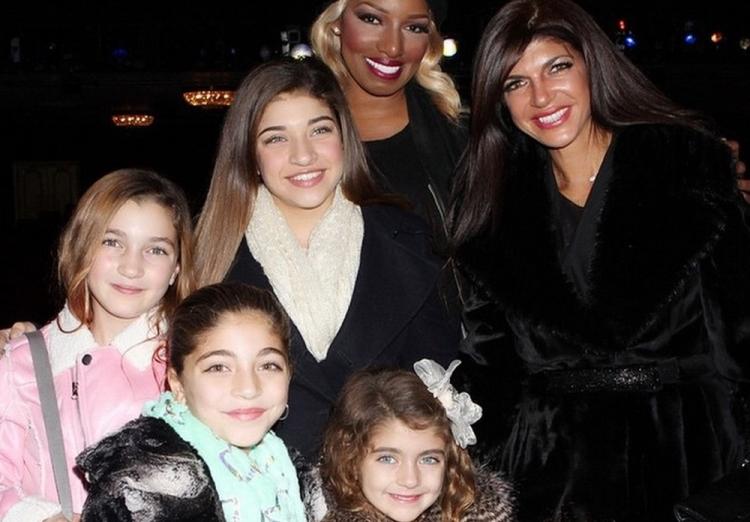 w630_Teresa-Giudice-and-Daughters-See-NeNe-Leakes-in-Cinderella-on-Broadway-1418339798
