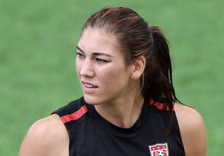 "U.S. Soccer Star Hope Solo Barraged by ""Zika! Zika!"" Chants (VIDEO)"