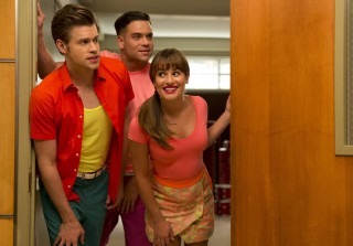 "Glee Season 6 Spoilers: Get Ready For a ""Super Hot Kiss"""
