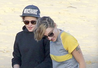 Kristen Stewart and Rumored Girlfriend Alicia Cargile Have a Beach Day (PHOTOS)