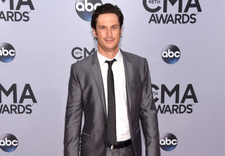 Nashville\'s Oliver Hudson Bashes Dad on Father\'s Day