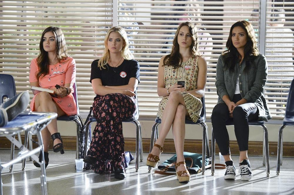 "Pretty Little Liars Promo: Season 5, Episode 19 — ""Out, Damned Spot"" (VIDEO)"