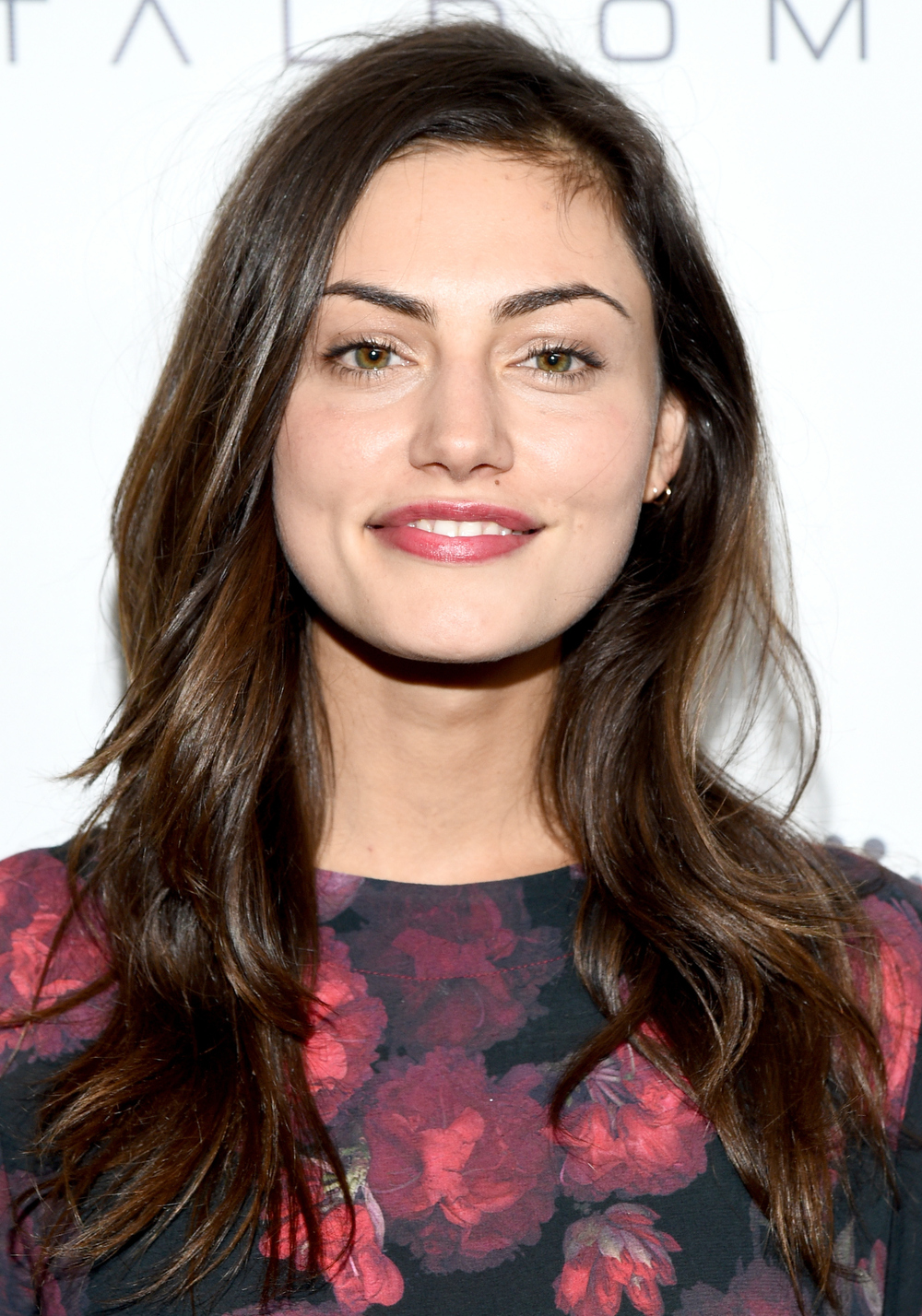 See Phoebe Tonkin In Teresa Palmer S New Film The Ever