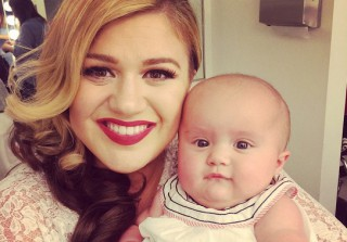 Kelly Clarkson Reveals She Lost Her Voice After Giving Birth (VIDEO)