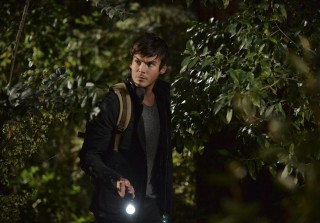 Pretty Little Liars Season 5 Spoiler: Why Are There Bow and Arrows?