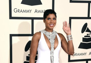 Toni Braxton Wins Best R&B Album at 2015 Grammy Awards! (VIDEO)