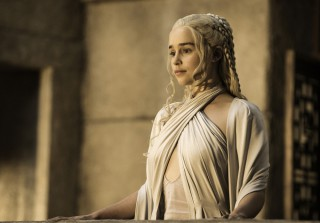 Game of Thrones Season 5 Spoilers: Daenerys Targaryen Gets In Trouble (VIDEO)