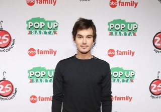 Pretty Little Lairs\' Tyler Blackburn Buys $965k Bungalow!