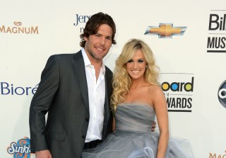 Carrie Underwood\'s Husband Poses Shirtless with Baby Isaiah (PIC)