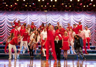 "Glee Series Finale: Read the Synopses For ""2009"" and ""Dreams Come True"""