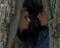 w630_Enid-and-Carl-in-Tree-in-The-Walking-Dead-Try-1426719580