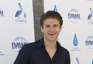 Keegan Allen Dishes on His Pretty Little Liars Co-Stars — Exclusive (VIDEO)