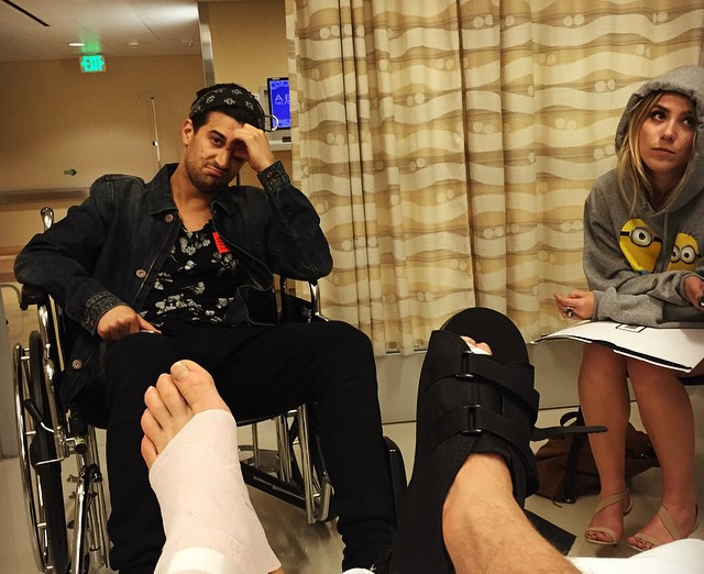 w310_Derek-Posts-Hospital-Photo-With-Mark-and-BC-Jean-1429800470